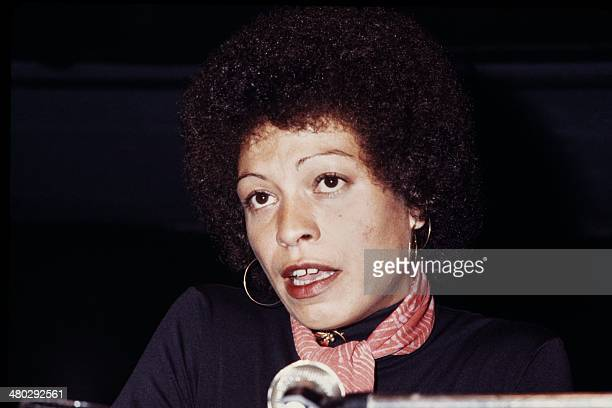 US civilrights activist Angela Davis delivers a press conference in April 1977 in Paris