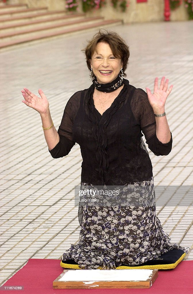 Topless Claire Bloom  naked (23 pics), Facebook, braless