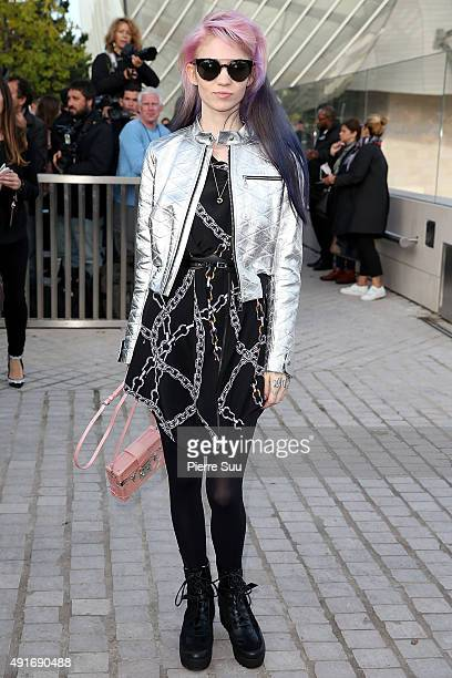 Claire Boucher aka 'Grimes' arrives at the Louis Vuitton show as part of the Paris Fashion Week Womenswear Spring/Summer 2016 on October 7 2015 in...