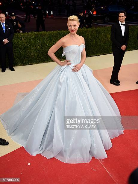 Claire Danes and Zac Posen arrive for the Costume Institute Benefit at The Metropolitan Museum of Art May 2 2016 in New York / AFP / TIMOTHY A CLARY
