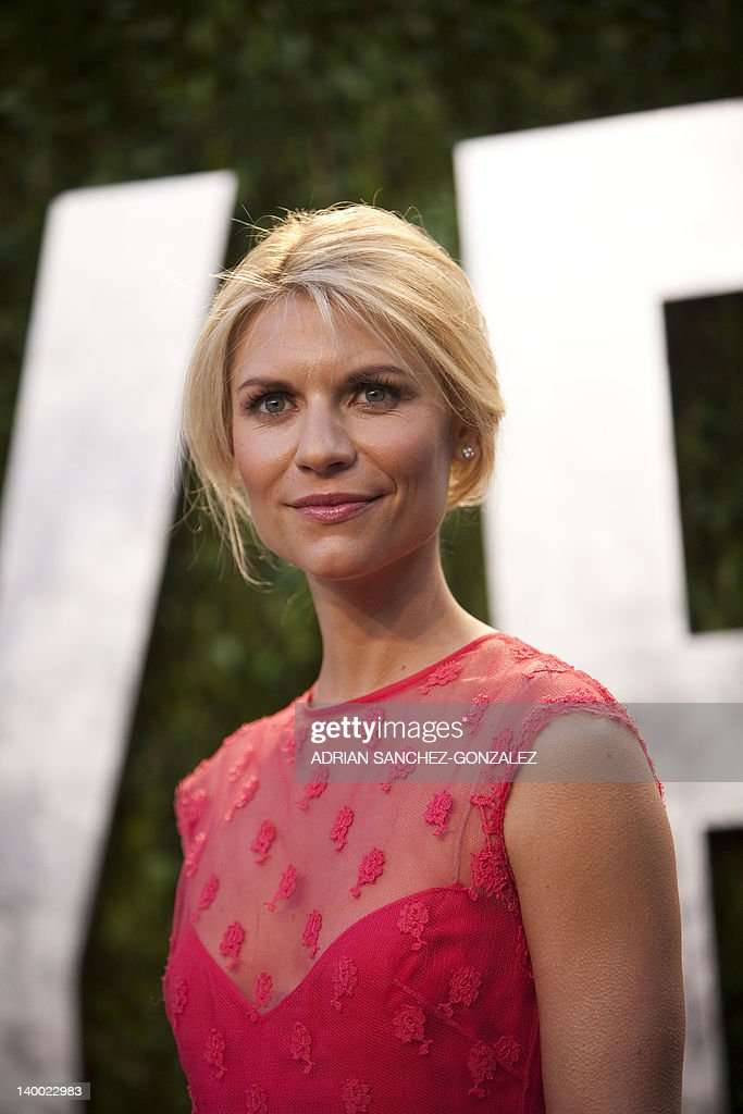 Claire Danes arrives at the Vanity Fair Oscar Party, for the 84th Annual Academy Awards, at the Sunset Tower on February 26, 2012 in West Hollywood, California.