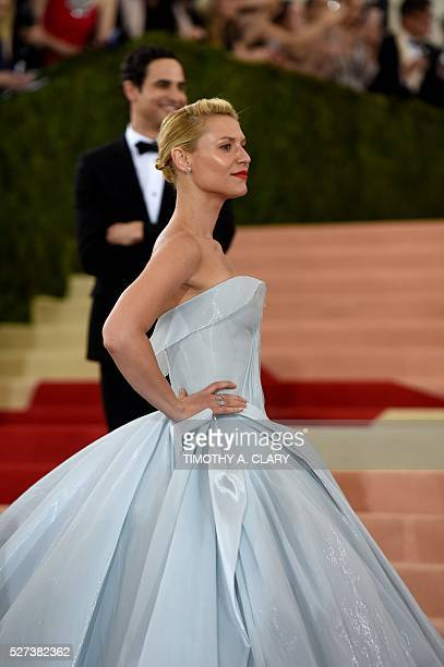 Claire Danes arrives for the Costume Institute Benefit at The Metropolitan Museum of Art May 2 2016 in New York / AFP / TIMOTHY A CLARY