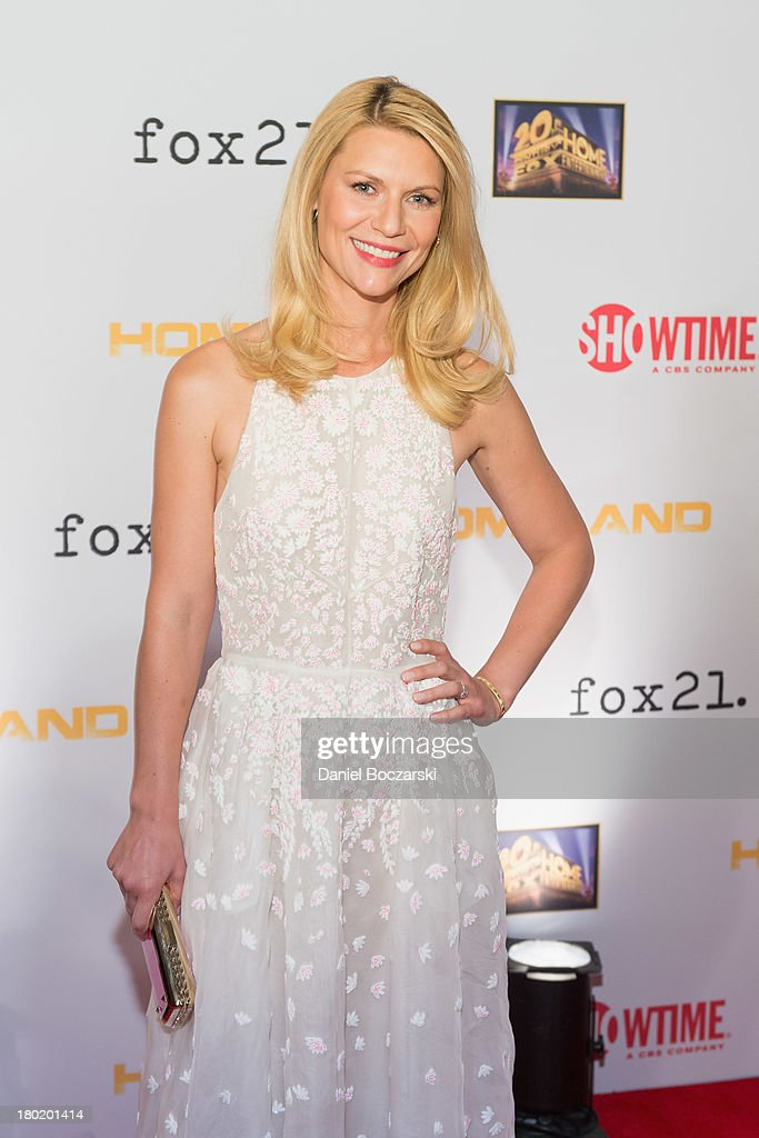 <a gi-track='captionPersonalityLinkClicked' href=/galleries/search?phrase=Claire+Danes&family=editorial&specificpeople=202666 ng-click='$event.stopPropagation()'>Claire Danes</a> attends a premiere screening hosted by SHOWTIME and Fox 21 for Season 3 of the hit series 'Homeland' at Corcoran Gallery of Art on September 9, 2013 in Washington City.