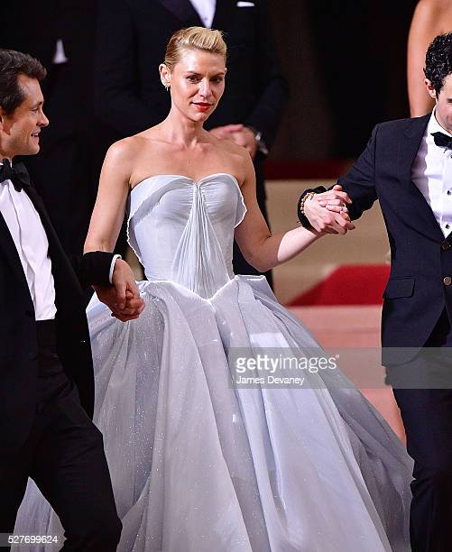 Claire Danes attends 'Manus x Machina Fashion in an Age of Technology' Costume Institute Gala at Metropolitan Museum of Art on May 2 2016 in New York...