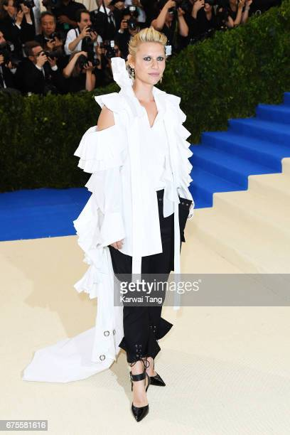 Claire Danes attends 'Rei Kawakubo/Comme des Garcons Art Of The InBetween' Costume Institute Gala at Metropolitan Museum of Art on May 1 2017 in New...