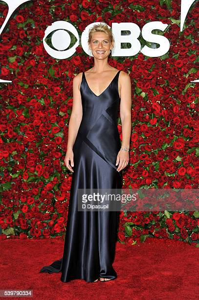 Claire Danes attends the 70th Annual Tony Awards at the Beacon Theatre on June 12 2016 in New York City