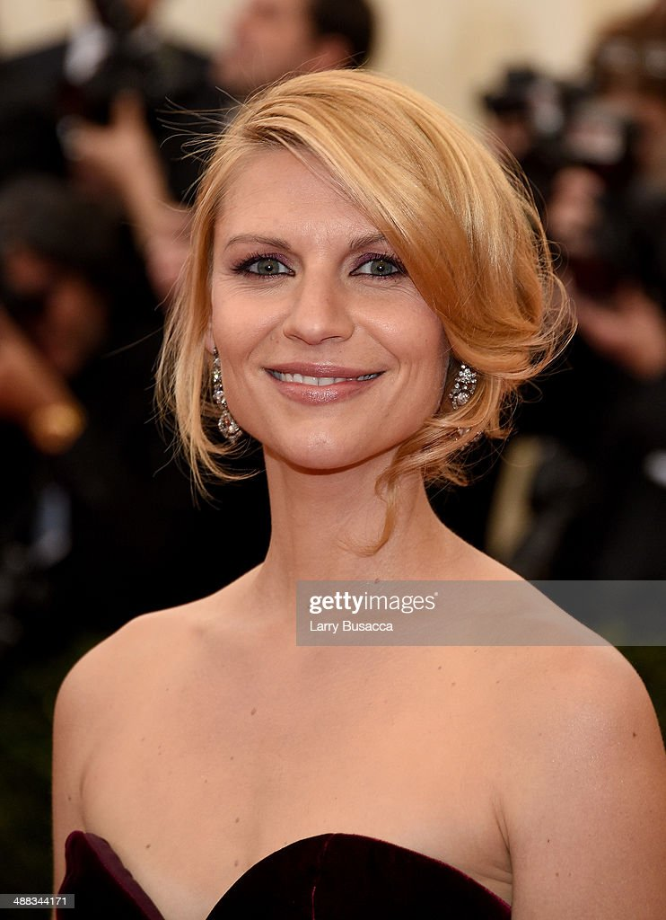 <a gi-track='captionPersonalityLinkClicked' href=/galleries/search?phrase=Claire+Danes&family=editorial&specificpeople=202666 ng-click='$event.stopPropagation()'>Claire Danes</a> attends the 'Charles James: Beyond Fashion' Costume Institute Gala at the Metropolitan Museum of Art on May 5, 2014 in New York City.
