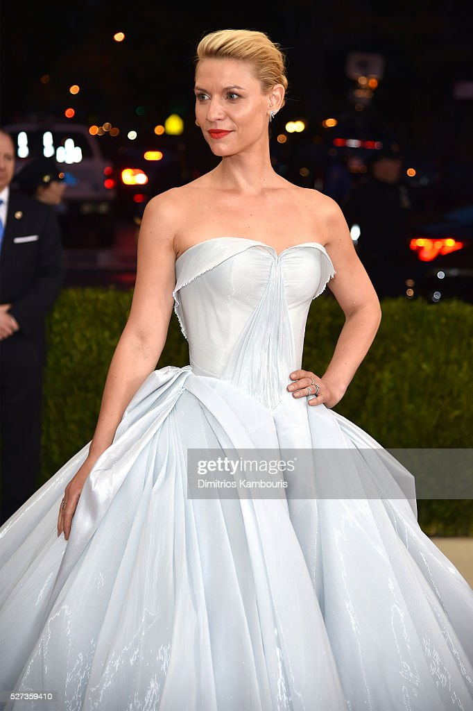 Claire Danes attends the 'Manus x Machina Fashion In An Age Of Technology' Costume Institute Gala at Metropolitan Museum of Art on May 2 2016 in New...