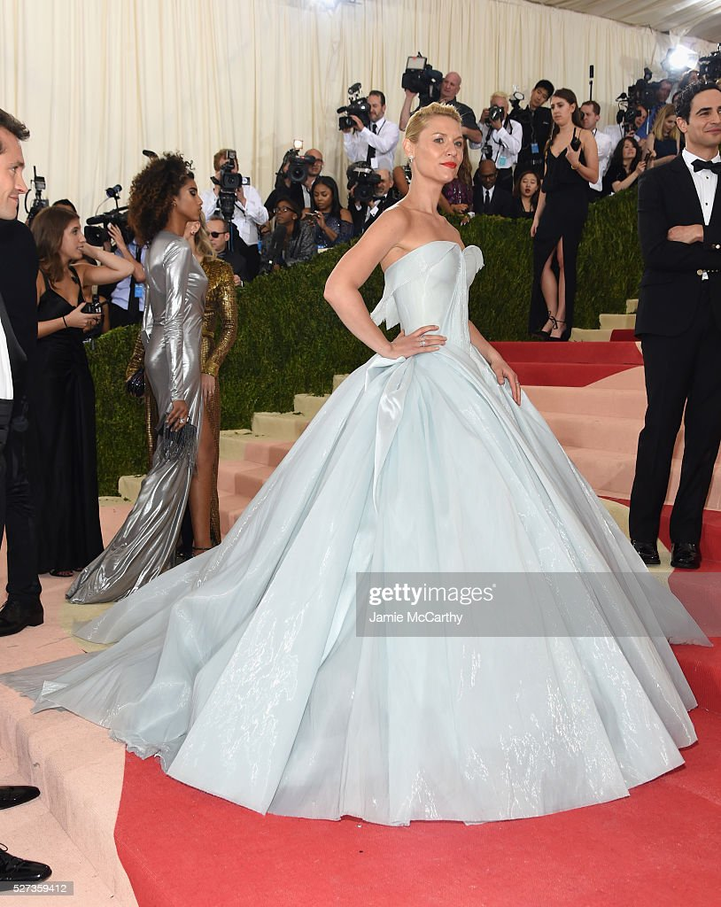 Claire Danes attends the 'Manus x Machina: Fashion In An Age Of Technology' Costume Institute Gala at Metropolitan Museum of Art on May 2, 2016 in New York City.