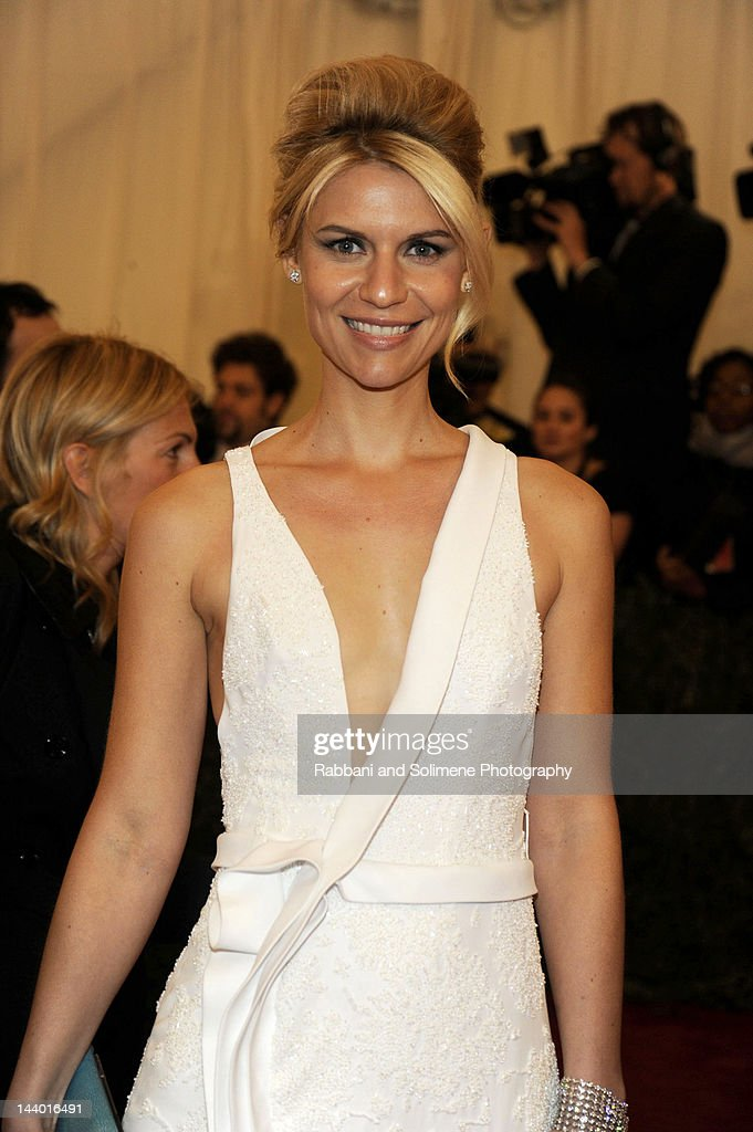 <a gi-track='captionPersonalityLinkClicked' href=/galleries/search?phrase=Claire+Danes&family=editorial&specificpeople=202666 ng-click='$event.stopPropagation()'>Claire Danes</a> attends the 'Schiaparelli And Prada: Impossible Conversations' Costume Institute Gala at the Metropolitan Museum of Art on May 7, 2012 in New York City.