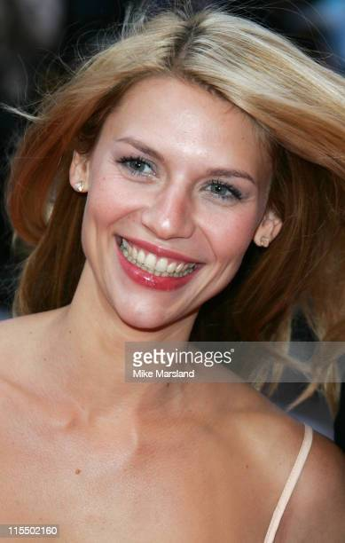 Claire Danes during 'Stage Beauty' London Premiere Arrivals at Odeon Westend Leicester Square in London England Great Britain