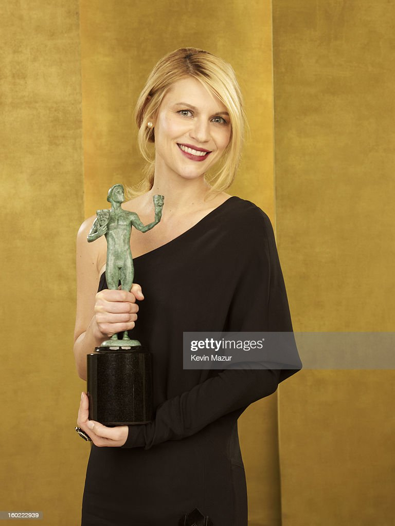 <a gi-track='captionPersonalityLinkClicked' href=/galleries/search?phrase=Claire+Danes&family=editorial&specificpeople=202666 ng-click='$event.stopPropagation()'>Claire Danes</a> poses during the 19th Annual Screen Actors Guild Awards at The Shrine Auditorium on January 27, 2013 in Los Angeles, California. (Photo by Kevin Mazur/WireImage) 23116_027_0252_R.jpg