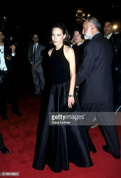 Claire Forlani at premiere of 'Meet Joe Black' New York November 2 1998