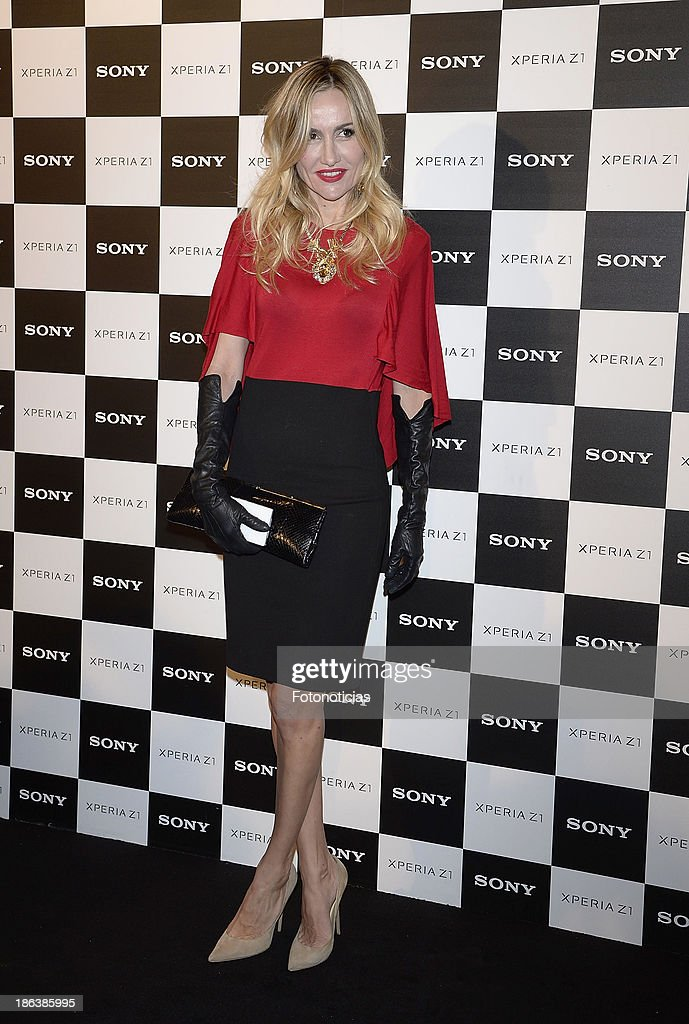 Clara Courel attends Sony Xperia Z1 photography exhibition at the Real Jardin Botanico on October 30 2013 in Madrid Spain