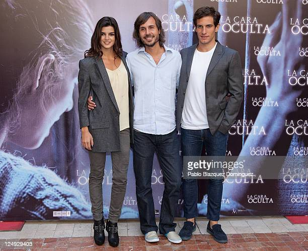 Clara Lago Andi Baiz and Quim Gutierrez attend 'La Cara Oculta' photocall at Intercontinental Hotel on September 14 2011 in Madrid Spain