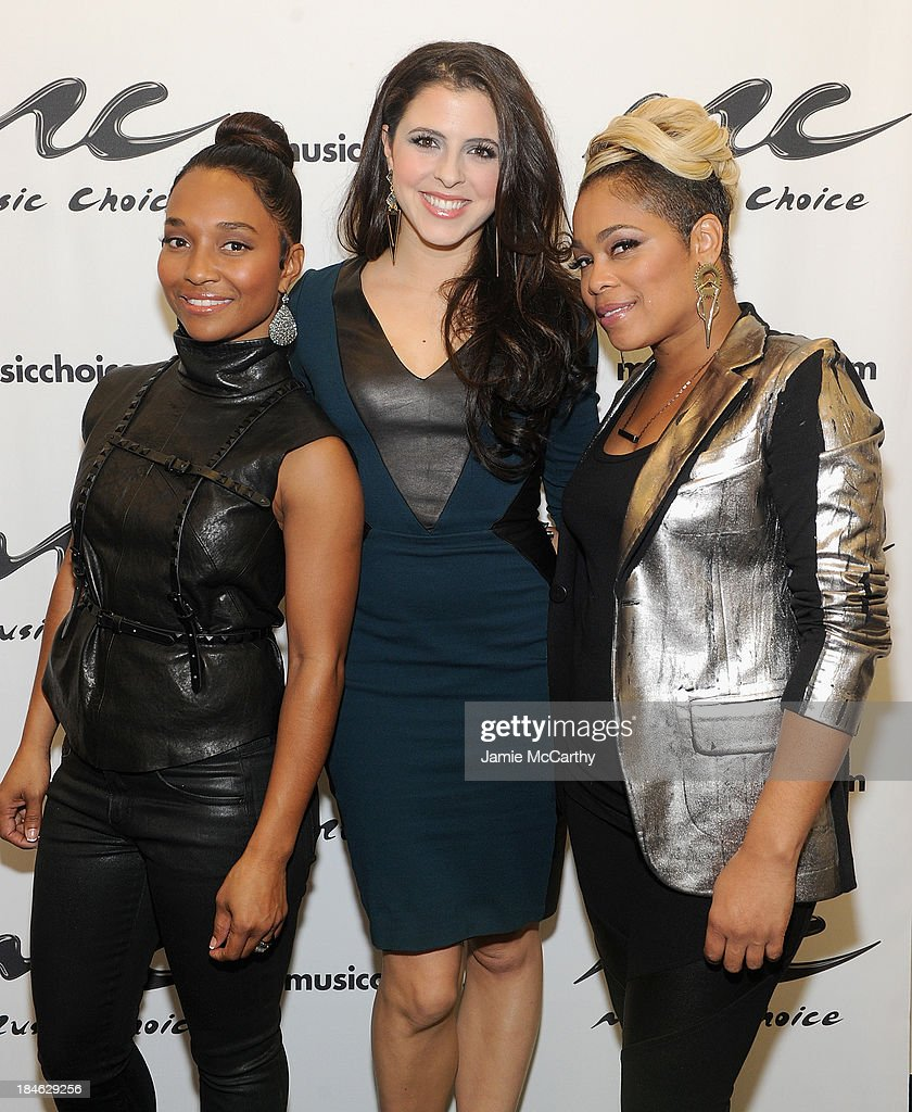 Clare Galterio,host of Music Choice's 'You & A' (center) with Chilli and <a gi-track='captionPersonalityLinkClicked' href=/galleries/search?phrase=T-Boz&family=editorial&specificpeople=715877 ng-click='$event.stopPropagation()'>T-Boz</a> of TLC Stop By Music Choice's 'You & A' on October 14, 2013 in New York City.