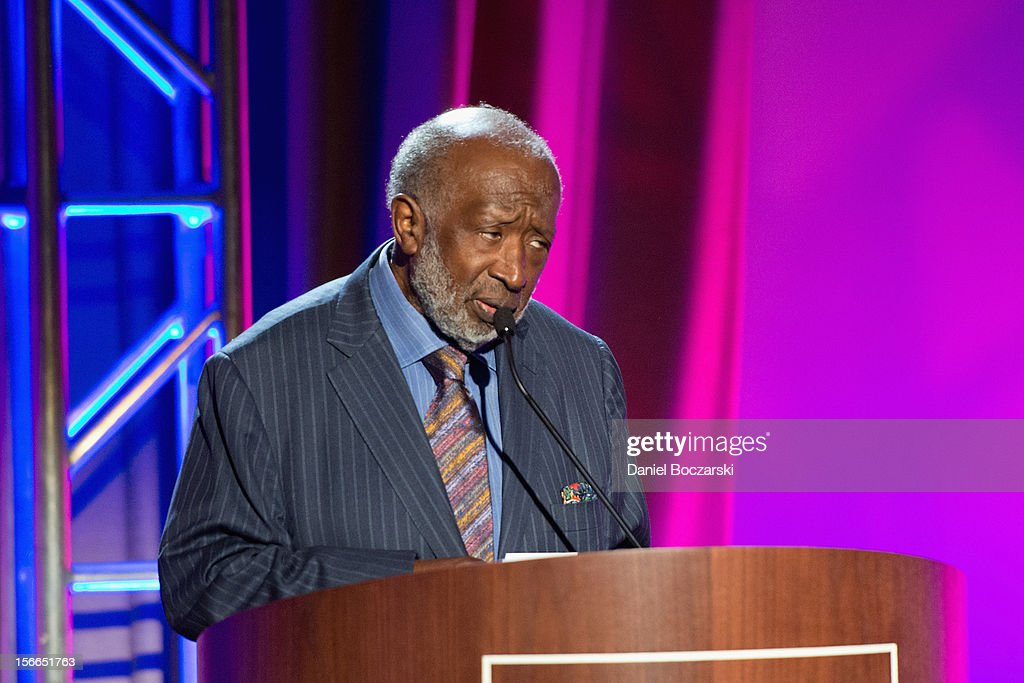 Clarence Avant attends An Evening with Berry Gordy at the Art Institute Of Chicago on November 17, 2012 in Chicago, Illinois.