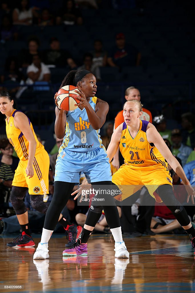 Clarissa Dos Santos #8 of the Chicago Sky handles the ball during the game against <a gi-track='captionPersonalityLinkClicked' href=/galleries/search?phrase=Ann+Wauters&family=editorial&specificpeople=711083 ng-click='$event.stopPropagation()'>Ann Wauters</a> #21 of the Los Angeles Sparks on May 24, 2016 at the Allstate Arena in Chicago, Illinois.