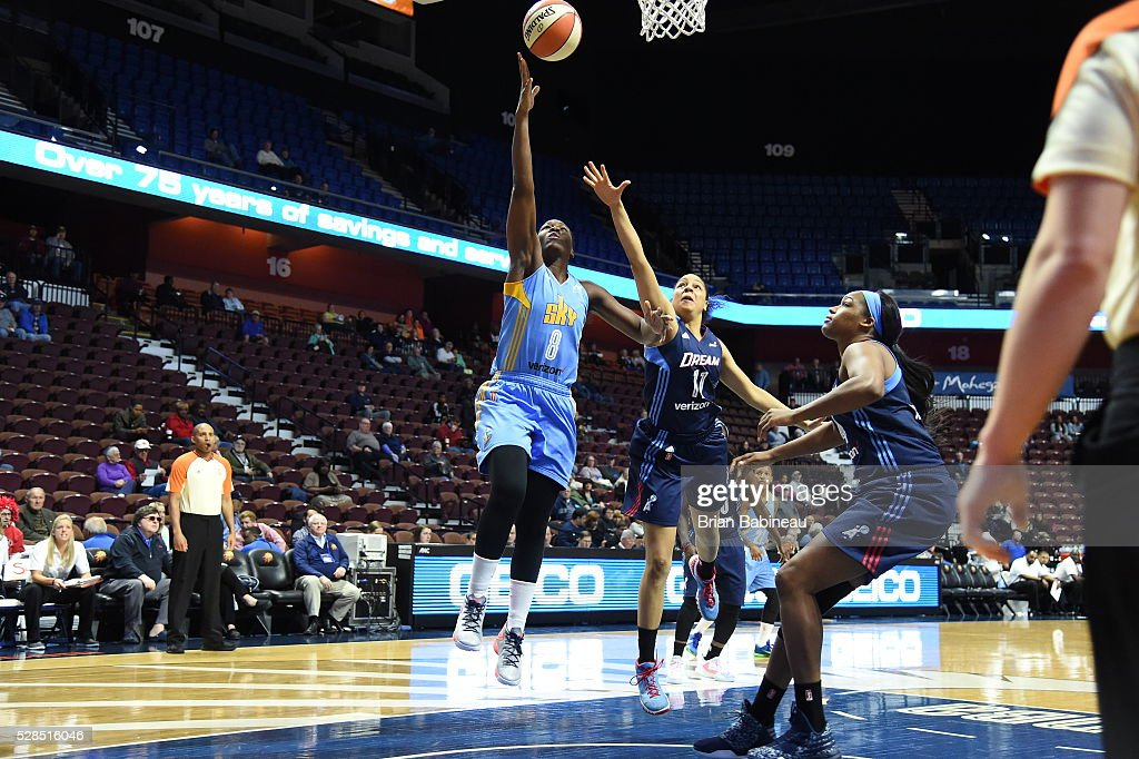 Clarissa Dos Santos #8 of the Chicago Sky shoots the ball against the Atlanta Dream in a WNBA preseason game on May 5, 2016 at the Mohegan Sun Arena in Uncasville, Connecticut.
