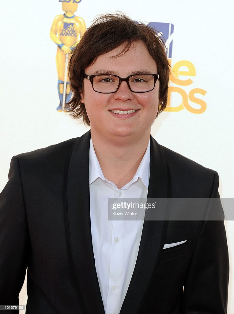 <a gi-track='captionPersonalityLinkClicked' href=/galleries/search?phrase=Clark+Duke&family=editorial&specificpeople=4421234 ng-click='$event.stopPropagation()'>Clark Duke</a> arrives at the 2010 MTV Movie Awards held at the Gibson Amphitheatre at Universal Studios on June 6, 2010 in Universal City, California.