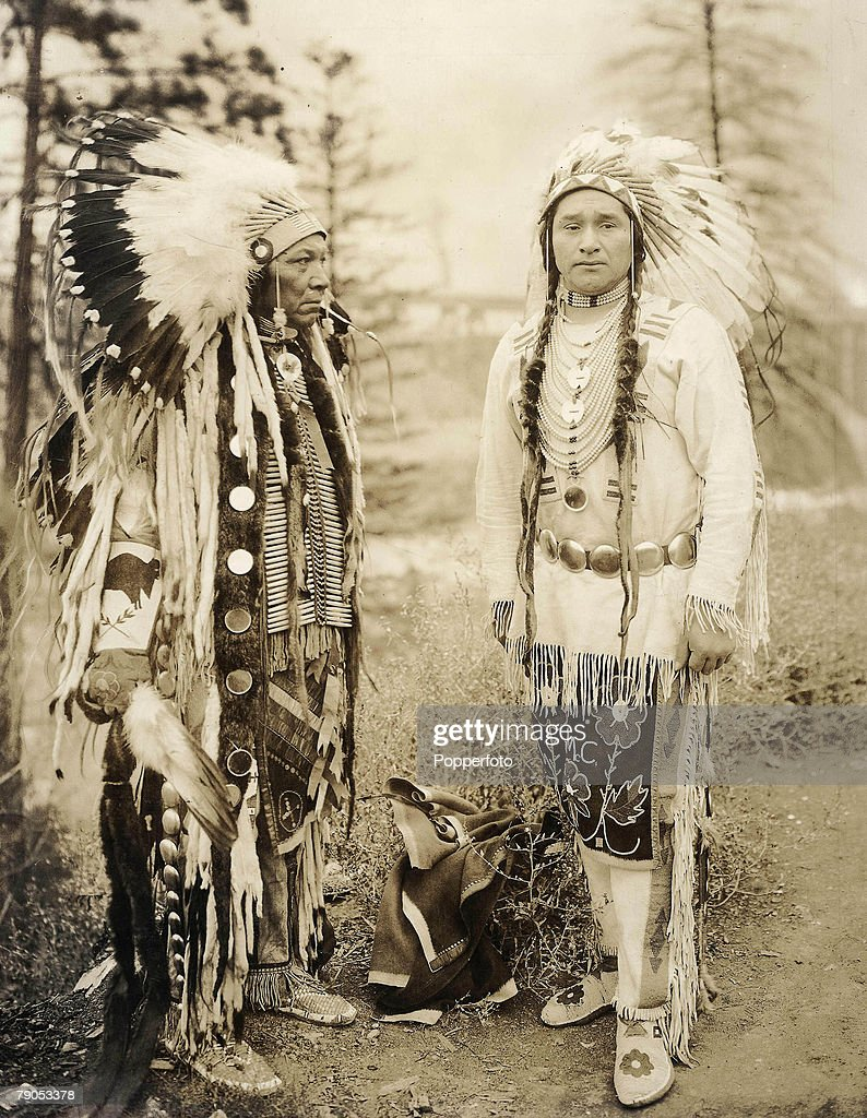 Classic Collection Page 118 Washington State USA Two Native American Indian Chiefs from the Nez Perce tribe in full authentic traditional dress