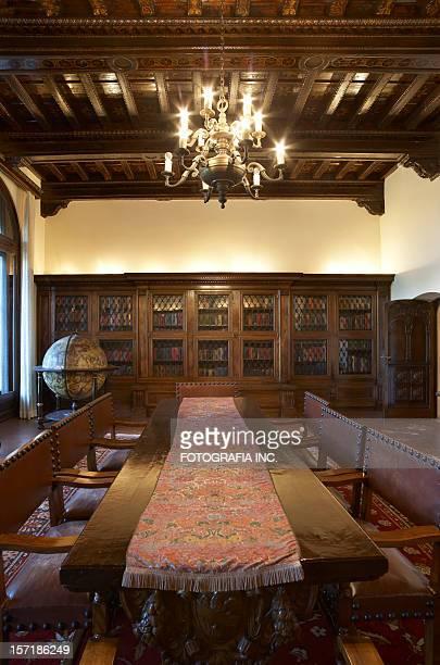 Classic Dinnig room