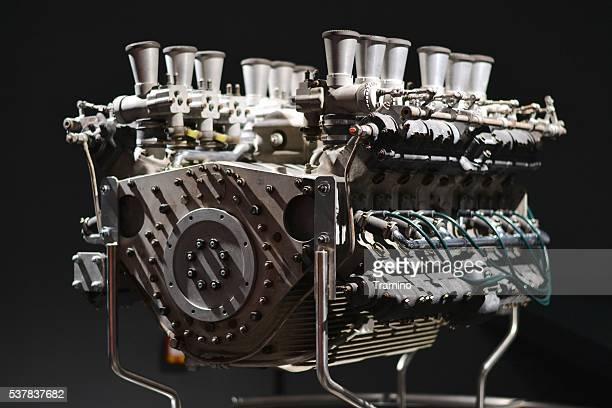 Klassische Zwölf Zylinder Motor von Rennwagen