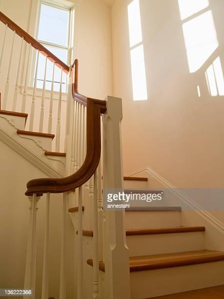 Klassische hölzerne Treppe