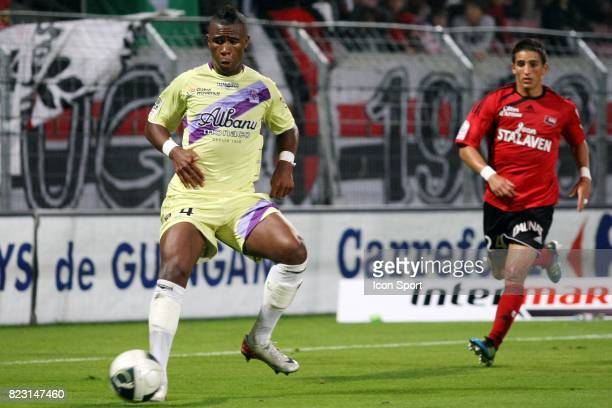 Claude DIELNA / Anthony KNOCKAERT Guingamp / Istres 5eme journee de Ligue 2