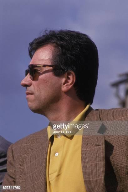 Claude Evin en campagne pour l'election legislative partielle de la 8e circonscription de LoireAtlantique le 31 aout 1993 a SaintNazaire France