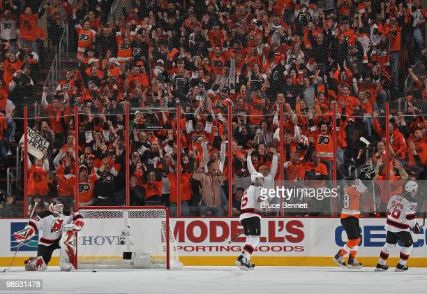 Claude Giroux of the Philadelphia Flyers scores at 849 of the first period against the new Jersey Devils in Game Three of the Eastern Conference...