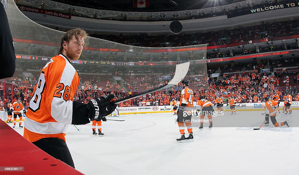 Claude Giroux of the Philadelphia Flyers warms up prior to Game Six of the First Round of the 2014 Stanley Cup Playoffs against the New York Rangers...