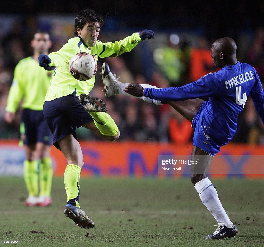 Claude Makelele of Chelsea high-kicking with Deco of Barcelona during the UEFA Champions League Round of 16, First Leg match between Chelsea and Barcelona at Stamford Bridge on February 22, 2006 in London, England.