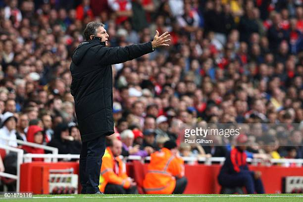Claude Puel Manager of Southampton gives his team instructions during the Premier League match between Arsenal and Southampton at Emirates Stadium on...