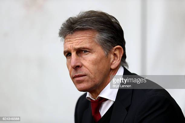 Claude Puel Manager of Southampton looks on during the Premier League match between Southampton and Liverpool at St Mary's Stadium on November 19...