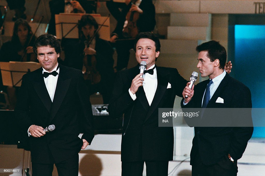 Claude Sérillon, Michel Drucker and Gérard Holtz on the set of the special evening Telethon 1988.