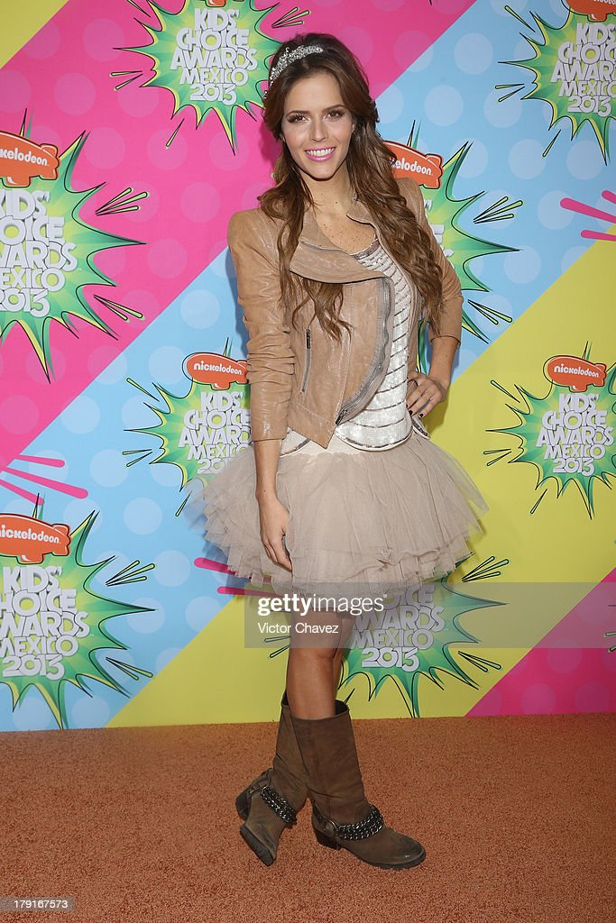 Claudia Alvarez arrives at Kids Choice Awards Mexico 2013 at Pepsi Center WTC on August 31, 2013 in Mexico City, Mexico.
