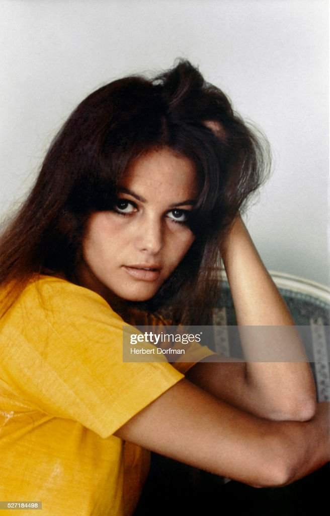 <a gi-track='captionPersonalityLinkClicked' href=/galleries/search?phrase=Claudia+Cardinale&family=editorial&specificpeople=208838 ng-click='$event.stopPropagation()'>Claudia Cardinale</a>