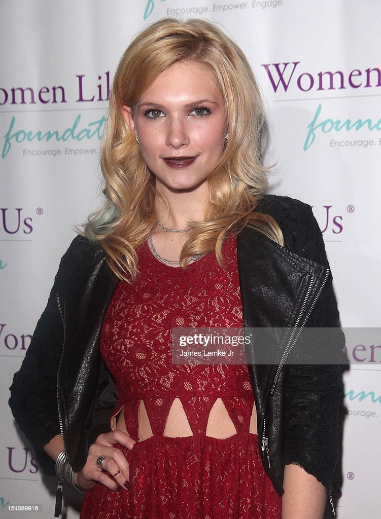 Claudia Lee attends the 'Girls Are Worth It' health fair and fundraiser for the Women Like Us Foundation at Level 3 club in Hollywood & Highland Center on October 13, 2012 in Hollywood, California.