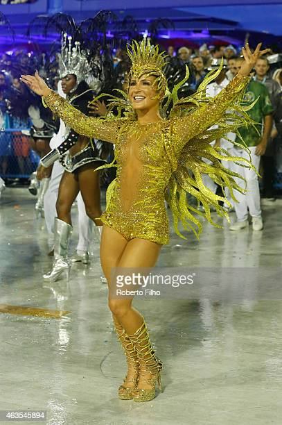 Claudia Leite marches in the parade on the Sambodromo during Rio Carnival on February 15 2015 in Rio de Janeiro Brazil