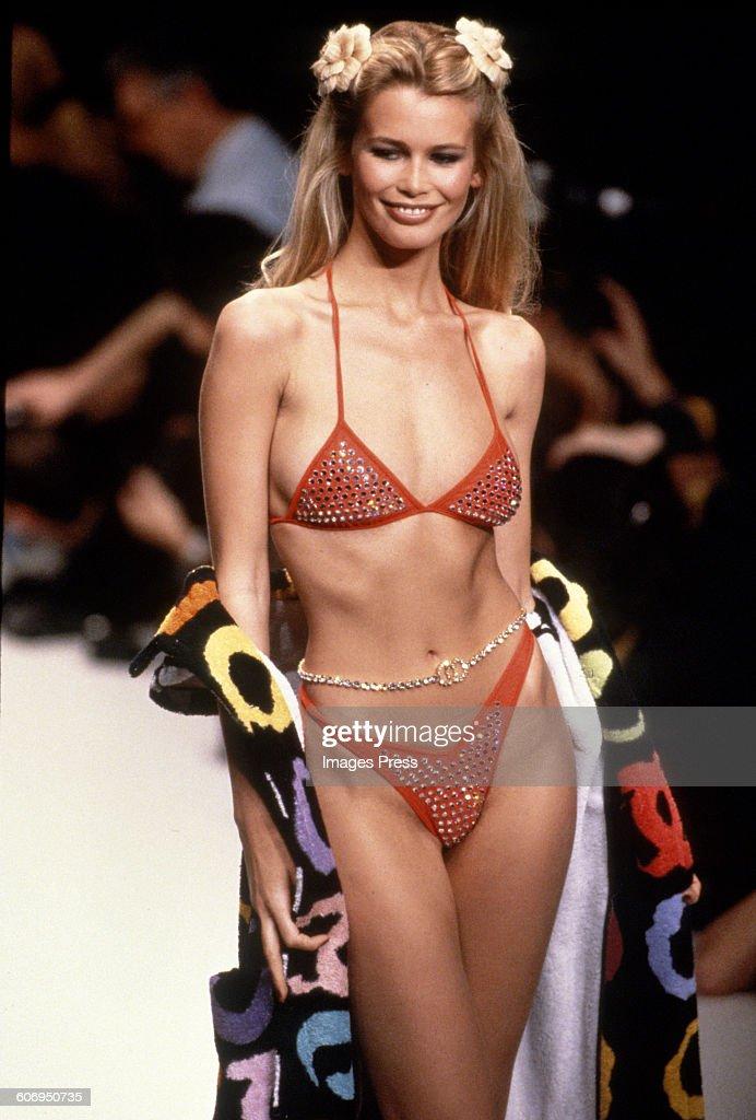 Claudia Schiffer Stock Fotos Und Bilder Getty Images