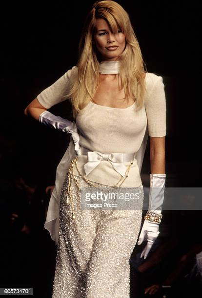 Claudia Schiffer at the Valentino Fall 1995 show circa 1995 in Paris France