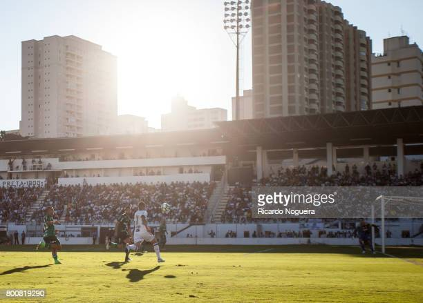 Claudinho of Ponte Preta in action during the match between Ponte Preta and Palmeiras as a part of Campeonato Brasileiro 2017 at Moises Lucarelli...