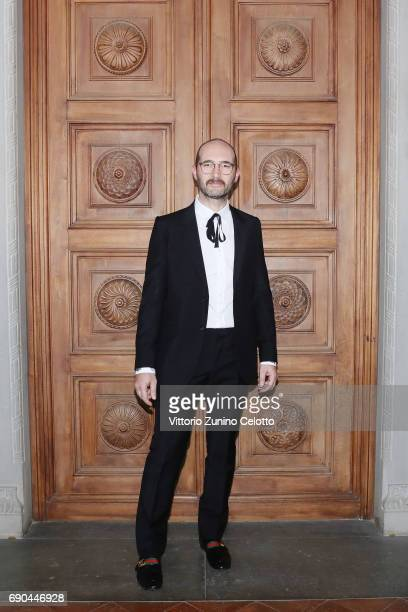 Claudio Brasini arrives at the Gucci Cruise 2018 fashion show at Palazzo Pitti on May 29 2017 in Florence Italy