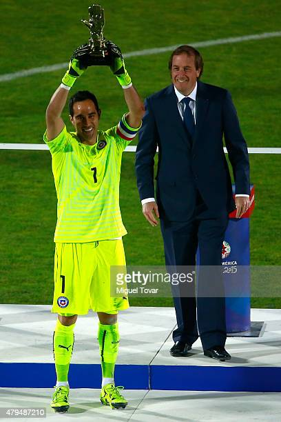Claudio Bravo of Chile celebrates with the Golden Glove award after the 2015 Copa America Chile Final match between Chile and Argentina at Nacional...