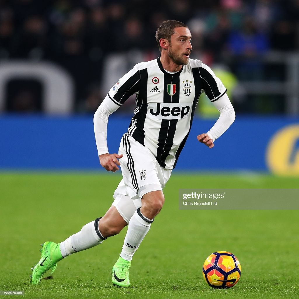 Claudio Marchisio of Juventus FC in action during the Serie A match between Juventus FC and FC Internazionale at Juventus Stadium on February 5, 2017 in Turin, Italy.
