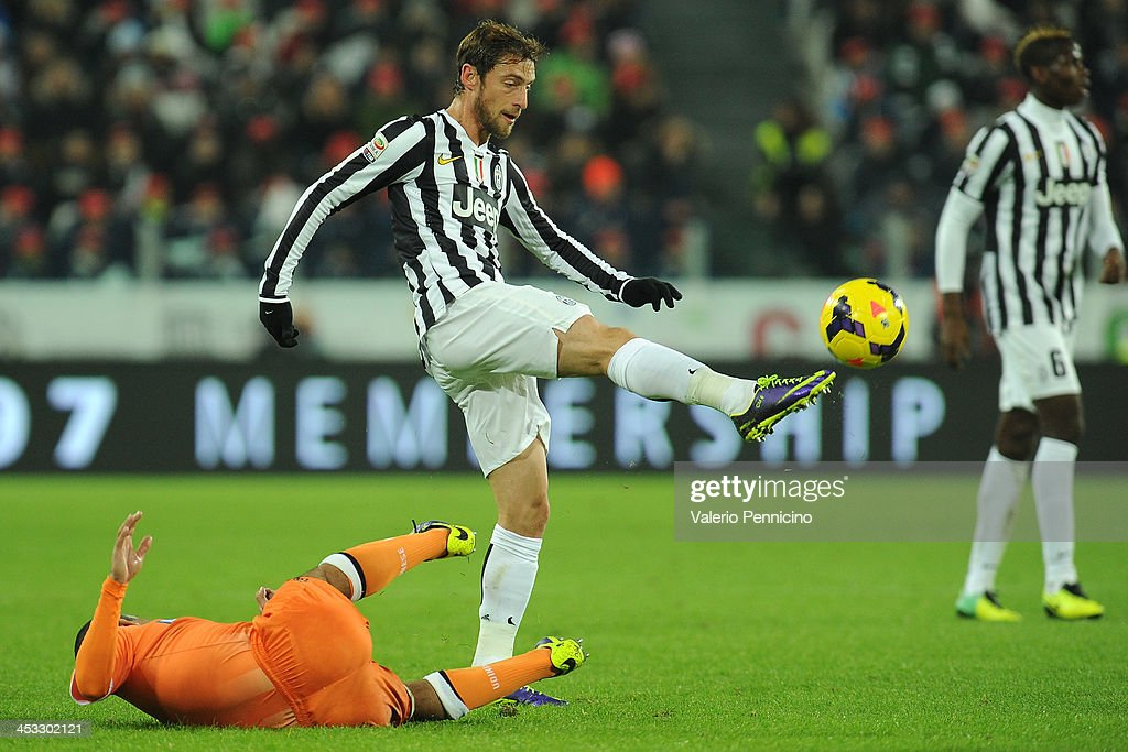 Claudio Marchisio of Juventus in action during the Serie A match between Juventus and Udinese Calcio at Juventus Arena on December 1, 2013 in Turin, Italy.