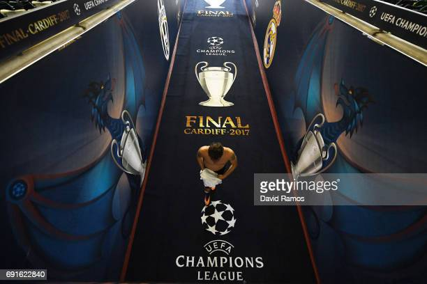 Claudio Marchisio of Juventus walks down the tunnel after a Juventus training session prior to the UEFA Champions League Final between Juventus and...