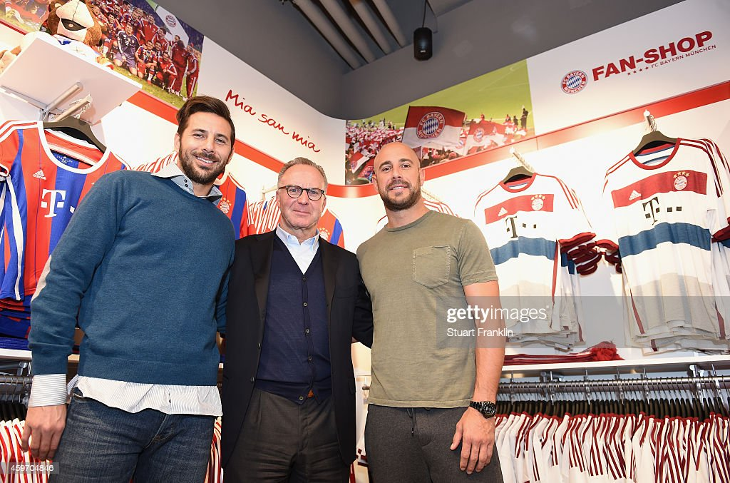 fc bayern muenchen official fan shop opening in berlin getty images. Black Bedroom Furniture Sets. Home Design Ideas