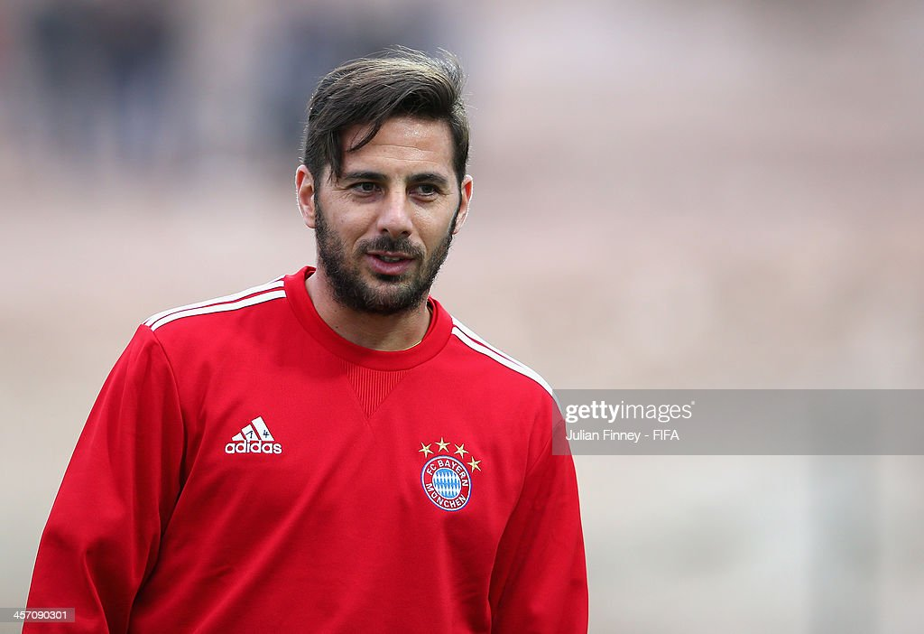 <a gi-track='captionPersonalityLinkClicked' href=/galleries/search?phrase=Claudio+Pizarro&family=editorial&specificpeople=217807 ng-click='$event.stopPropagation()'>Claudio Pizarro</a> of Bayern Muenchen looks on during a training session outside the Agadir Stadium on December 16, 2013 in Agadir, Morocco.